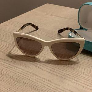 c92aaffe2f Kate Spade Sunglasses w case